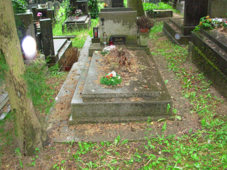 upratovanie hrobov simona agentura kosice