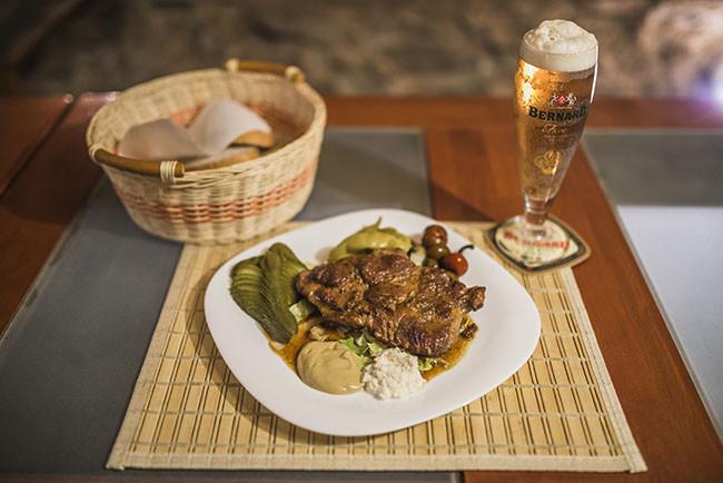 1a4ec59aa7 V REDSTONE Clube v centre mesta Košice ponúkame výborné jedlo
